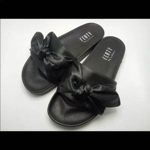 super popular 93918 5f8a5 Fenty Bow slide slippers
